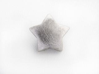 On Wire lås stjerne 17,5 mm ridset sølv
