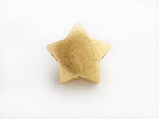 On Wire lås stjerne 17,5 mm ridset forgyldt sølv