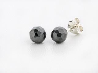 Sølv ørestik 6 mm facetteret hæmatit