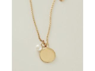 Halskæde med mønt og hvid perle, forgyldt sølv